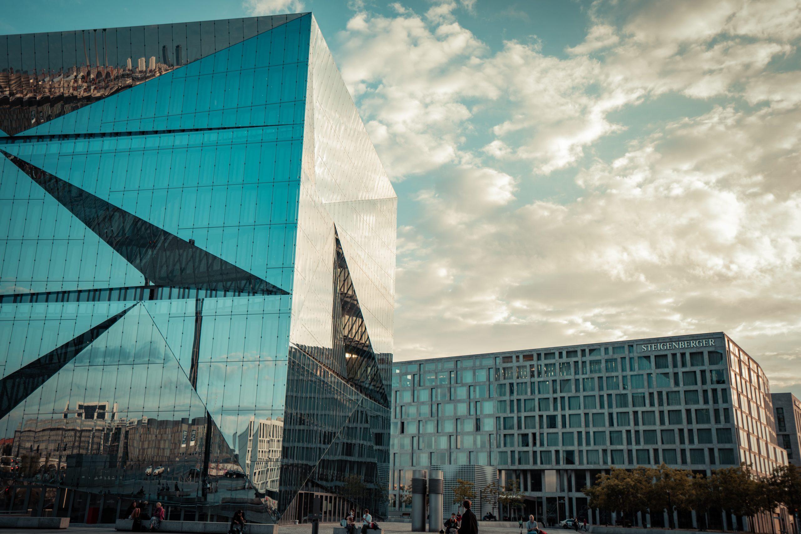 Cube Berlin - Foto von Leon Seibert auf Unsplash